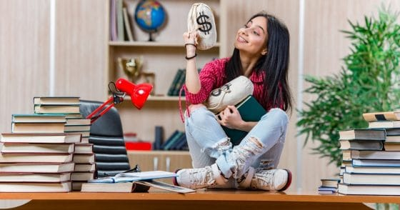 Selling Avon Helps Students Cover Their College Expenses